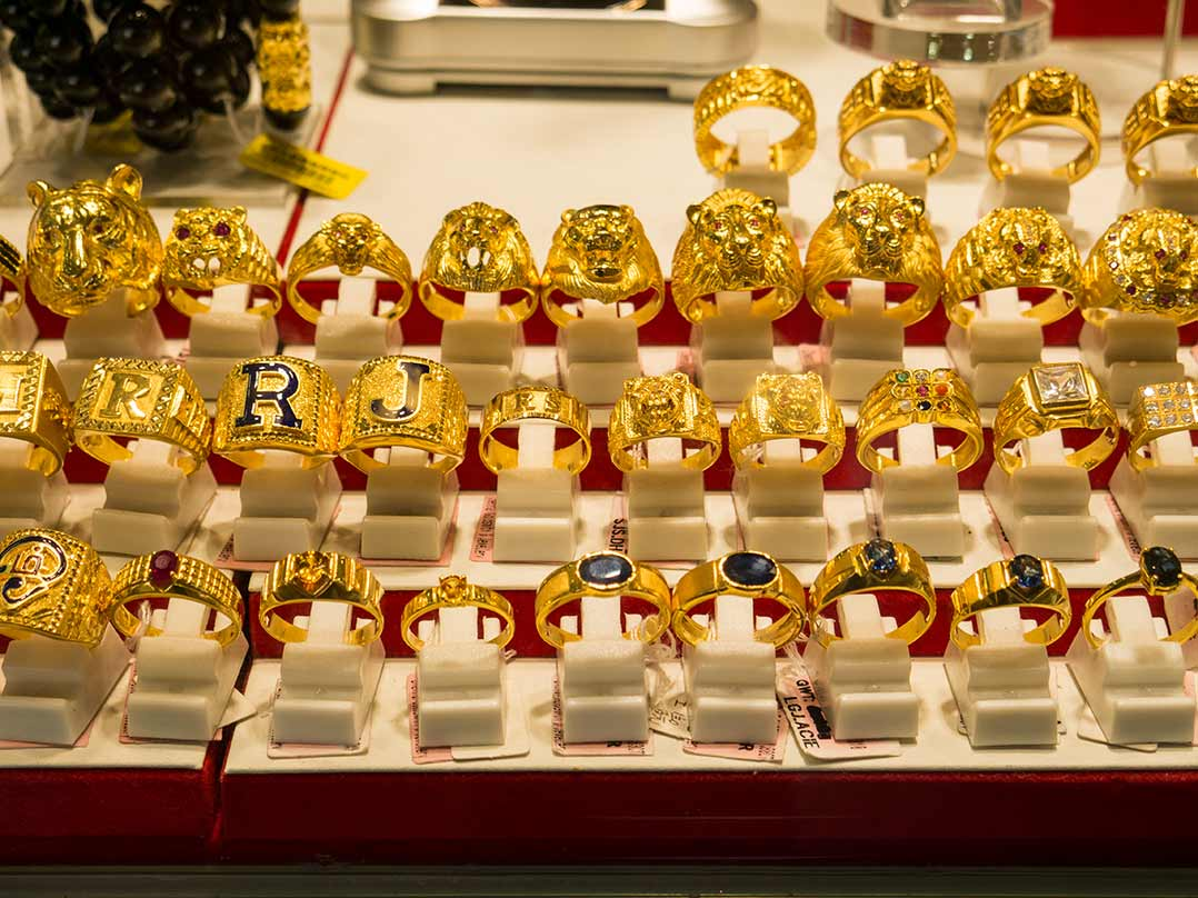 Goldschmuck im Little India in Singapur